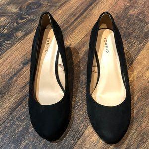 Torrid 9w Black Classic Wedge Shoe